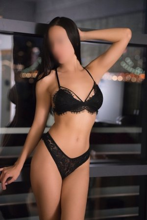 Secondine escorts Yelm