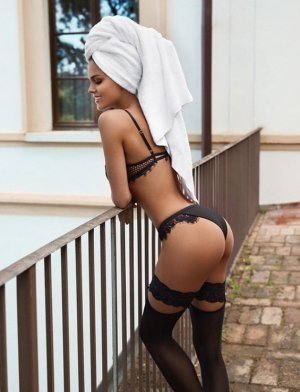 Aurella erotic massage in Kendallville